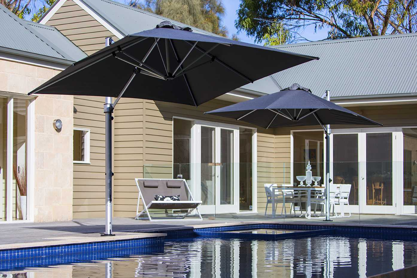 Aurora Cantilever by Instant Shade Umbrellas product image 2