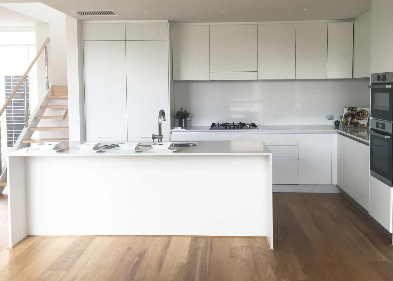 Doimo_Easy_Kitchen_Matt_lacquer