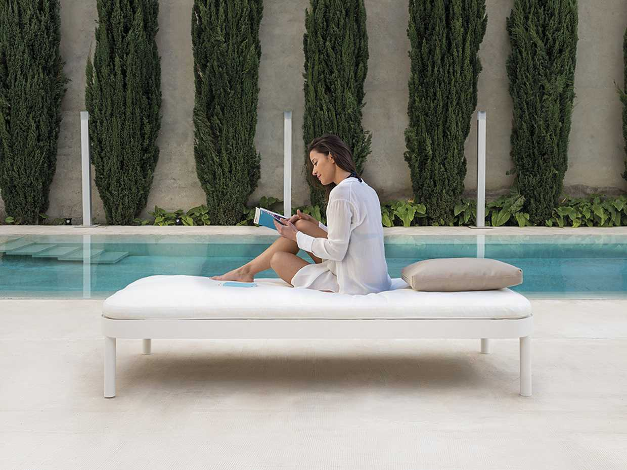 Tropez Bed by Gandia Blasco product image 1
