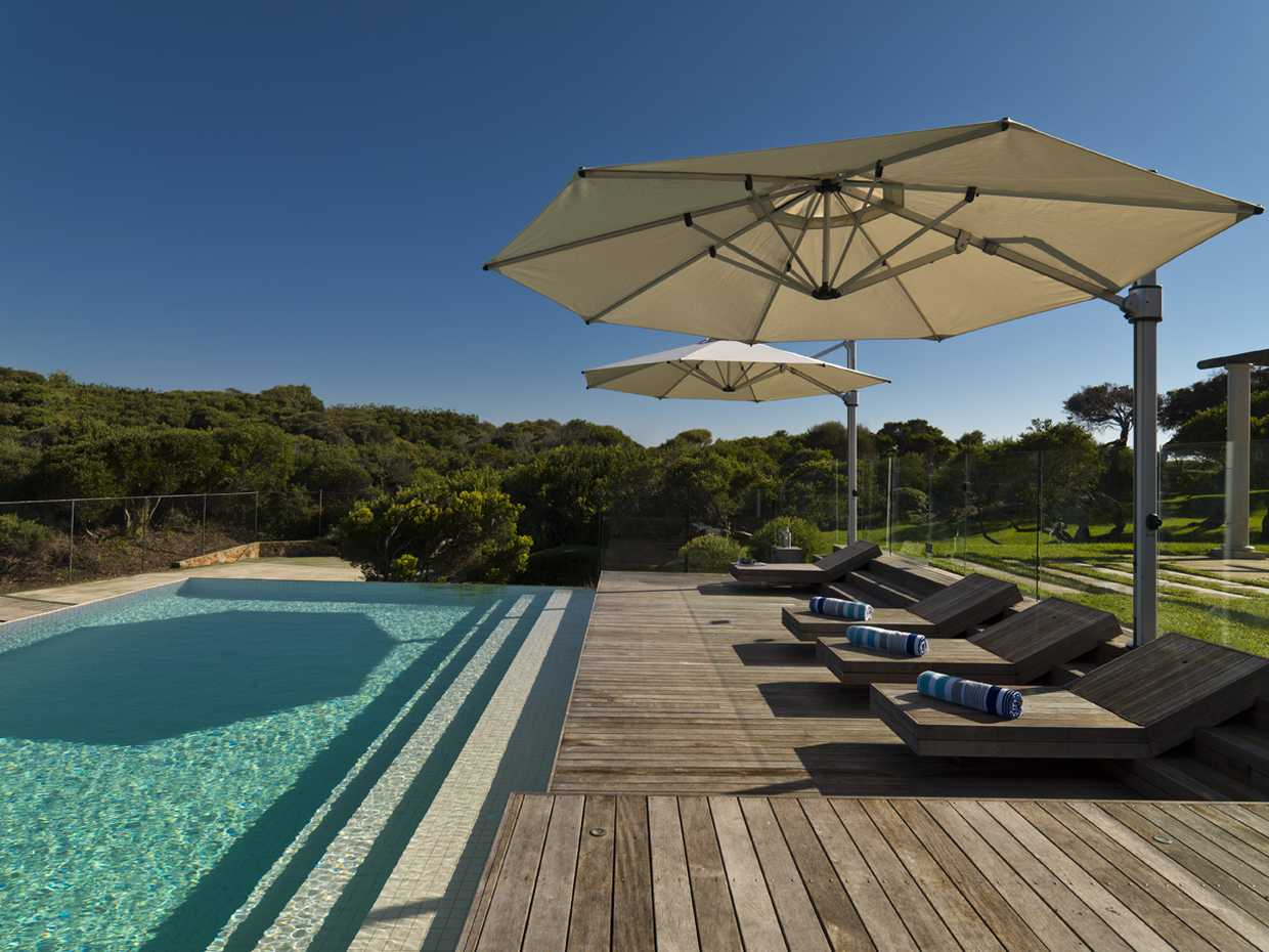Eclipse Cantilever by Instant Shade Umbrellas product image 3