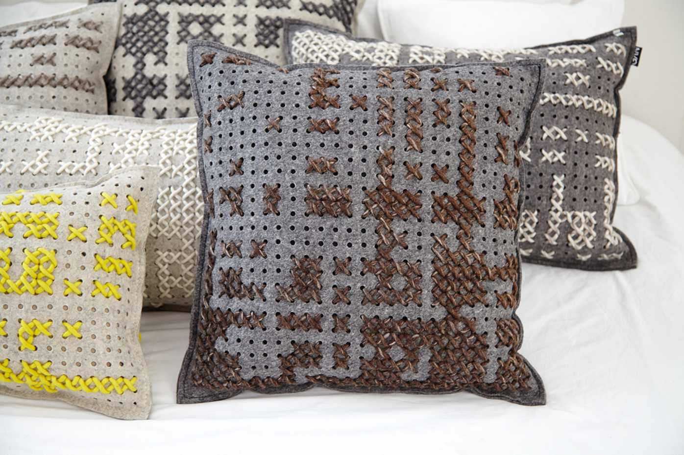Canevas Cushion by Gan Rugs product image 5