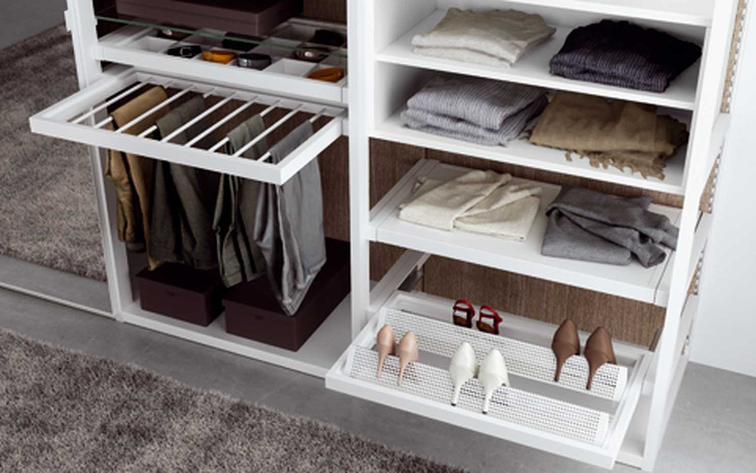 Walk-in Wardrobe with Framed Side by Mercantini product image 4