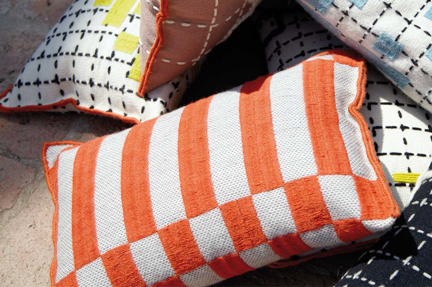 Bandas Cushions by Gan Rugs product image 4