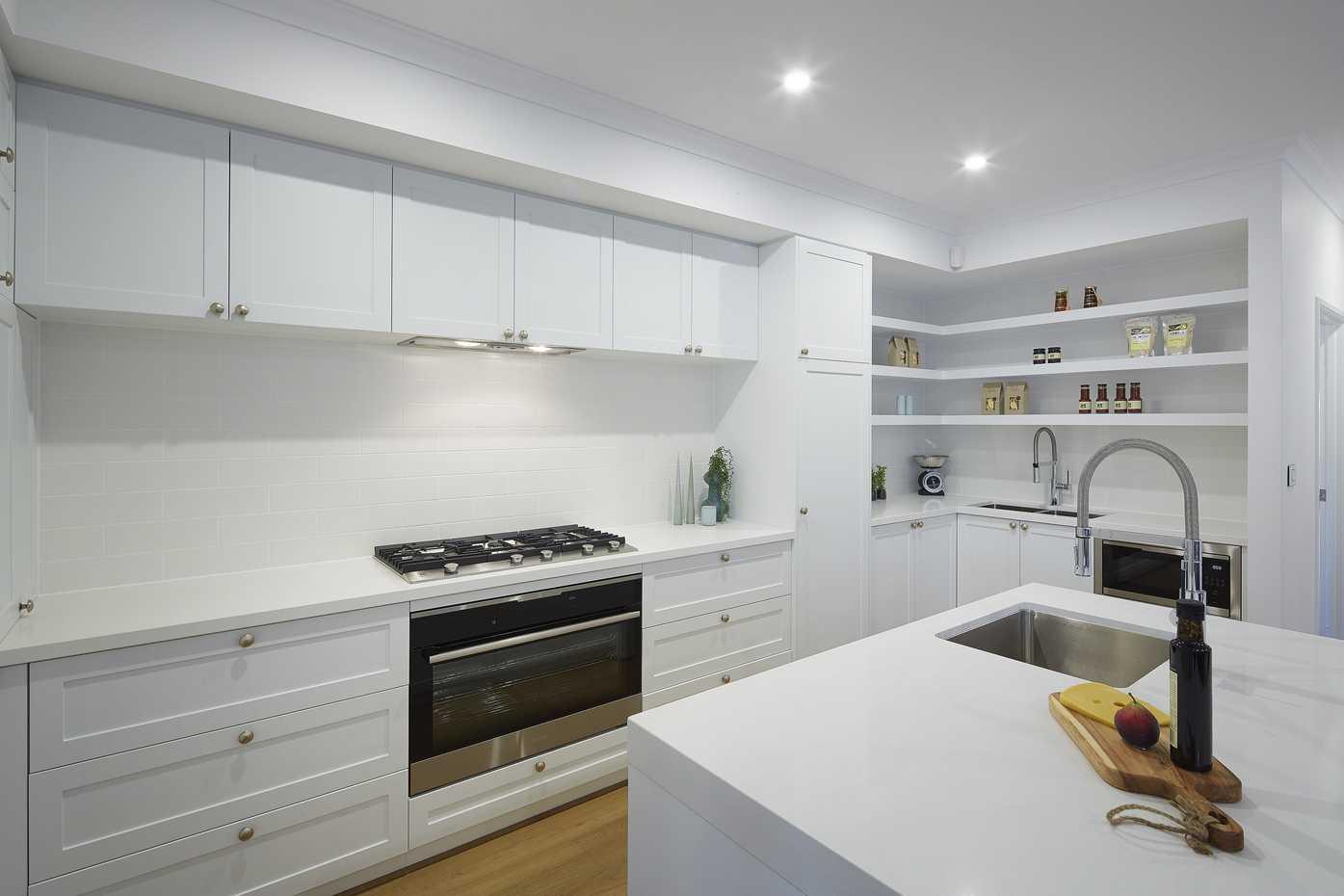 Carolina Platinum - Kitchen 2