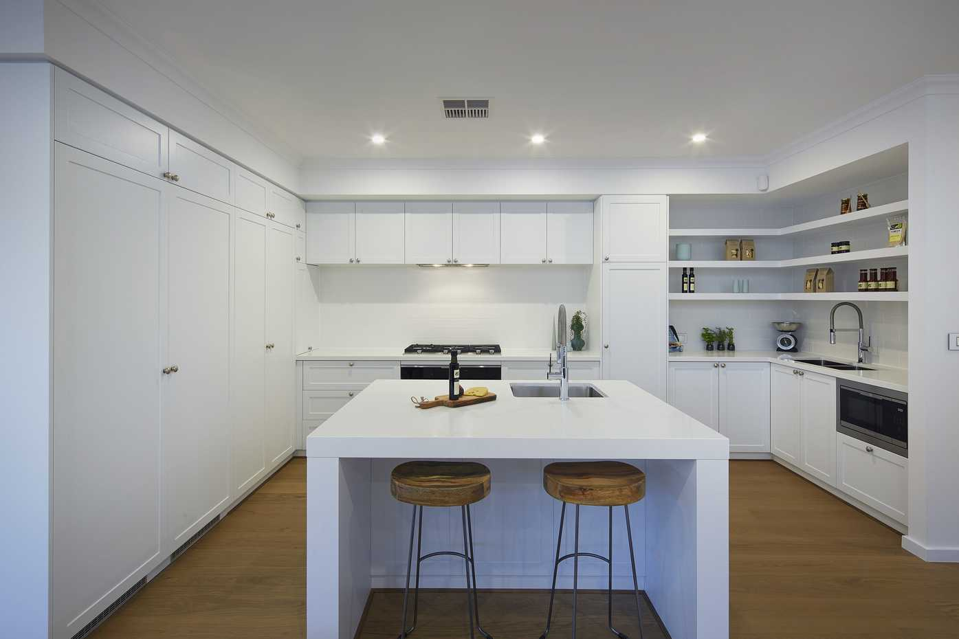 Carolina Platinum - Kitchen 1