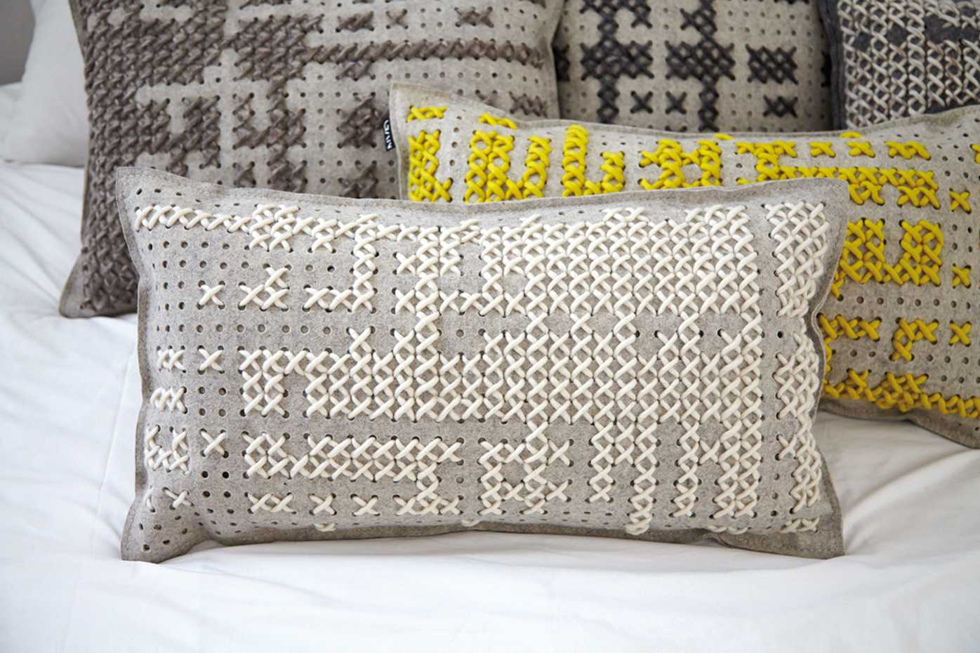 Canevas Cushion by Gan Rugs product image 4