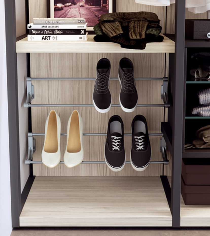 Walk-in Wardrobe with Framed Side by Mercantini product image 9