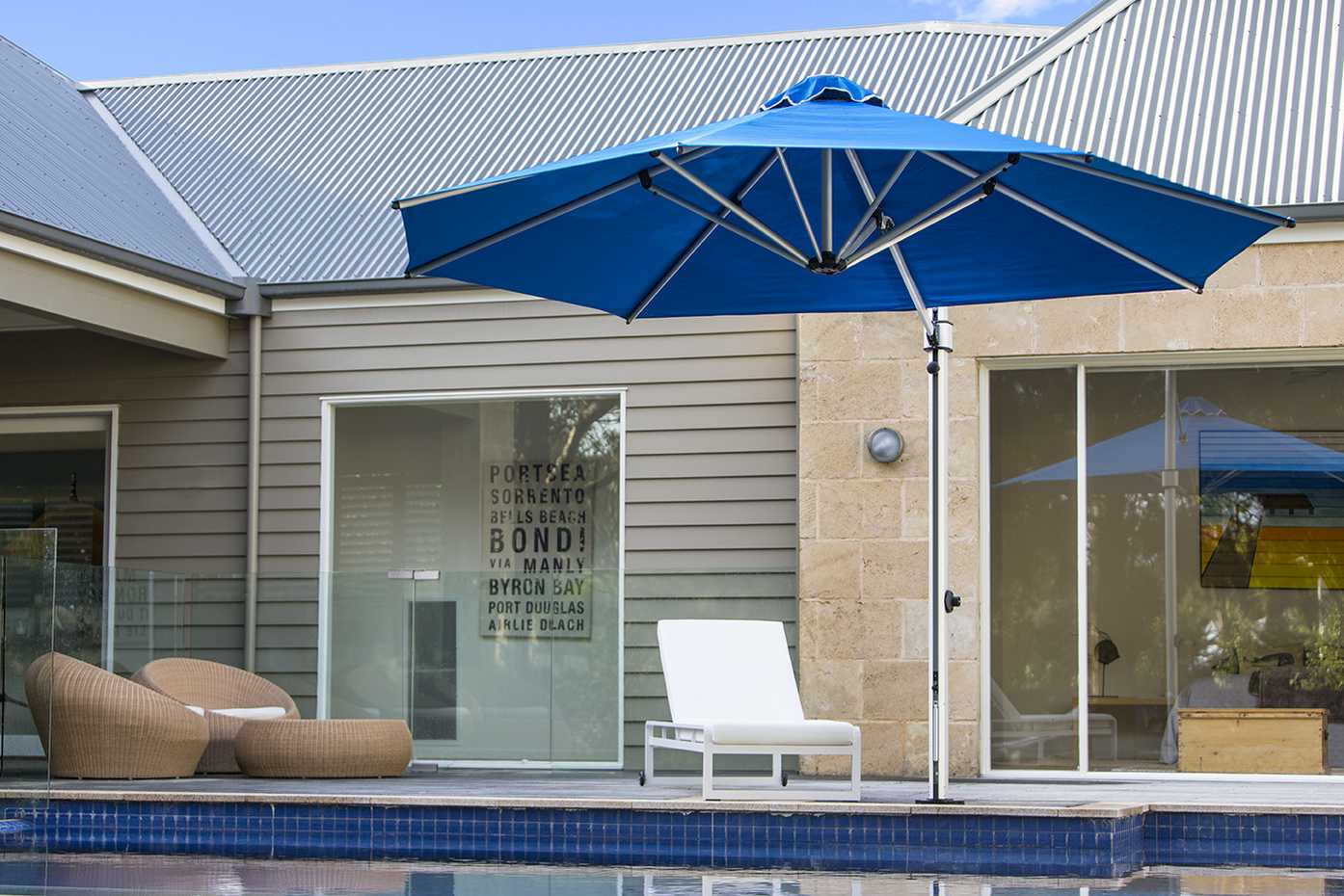 Aurora Cantilever by Instant Shade Umbrellas product image 3